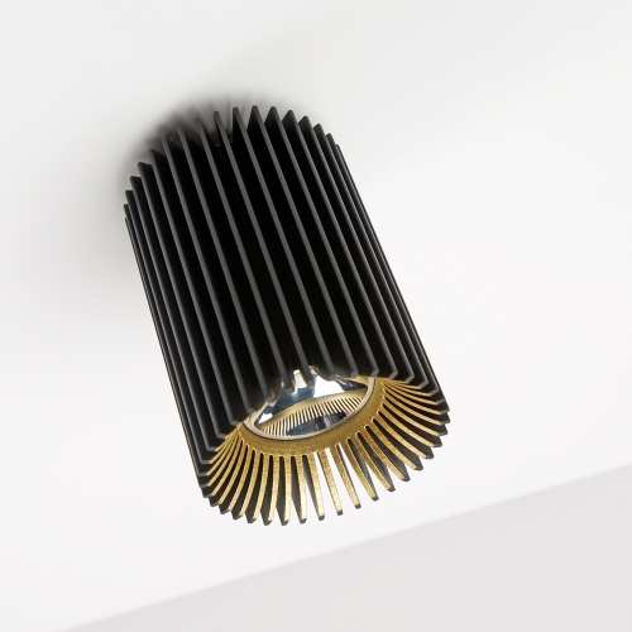 minimalistischer deckenspot hell. Black Bedroom Furniture Sets. Home Design Ideas