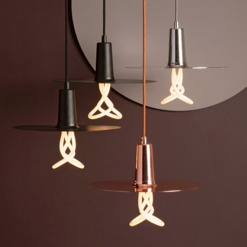Dekoratives Design mit Energiespar-Lampe.