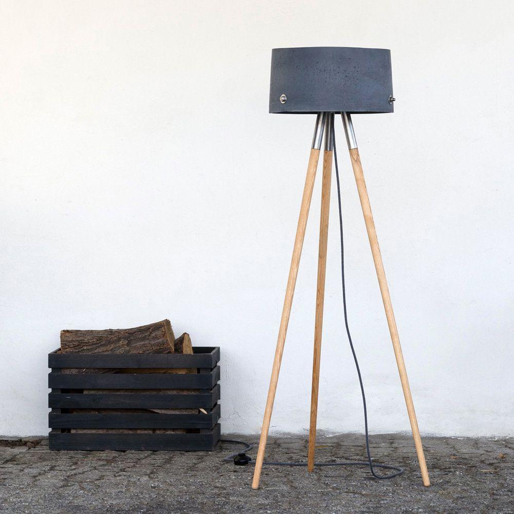 stehlampe mit drei beinen japanische einfache artkreative hlzerne stehlampe mit einem runden. Black Bedroom Furniture Sets. Home Design Ideas