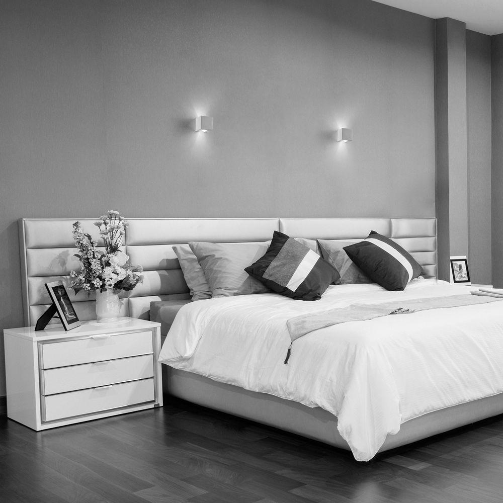 Exklusive Schlafzimmer Lampe. Mohnblumen Bettwäsche