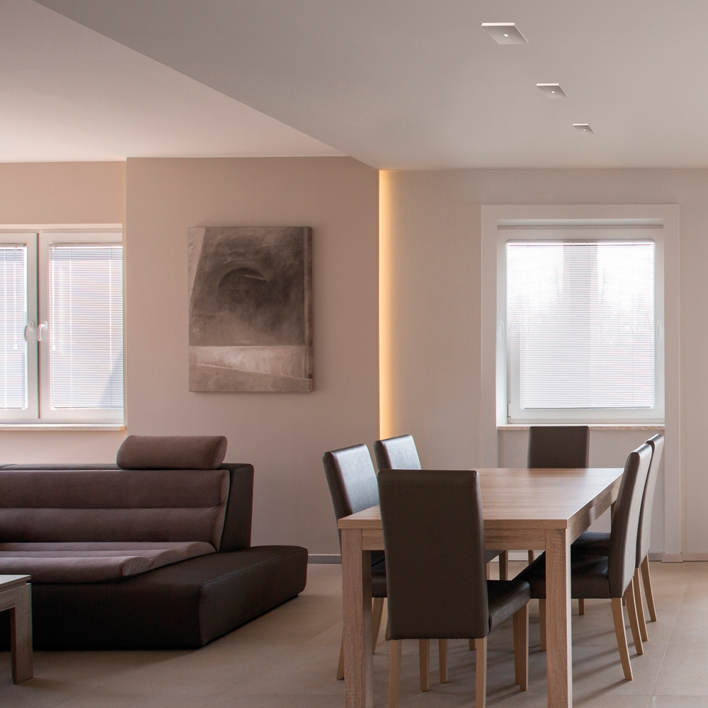 quadratische led deckenleuchte aus wei er keramik. Black Bedroom Furniture Sets. Home Design Ideas