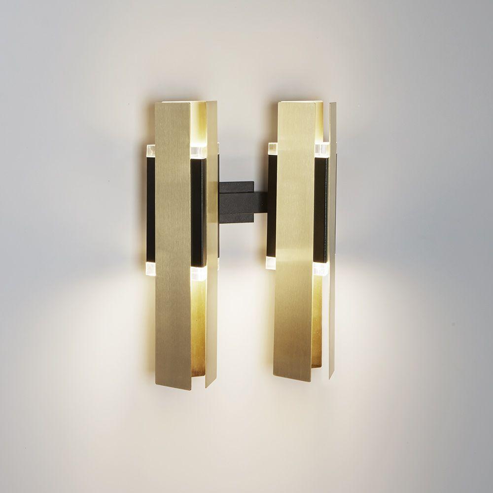 Design wandleuchte 2 flammig corrado dotti for Exklusive lampen hersteller