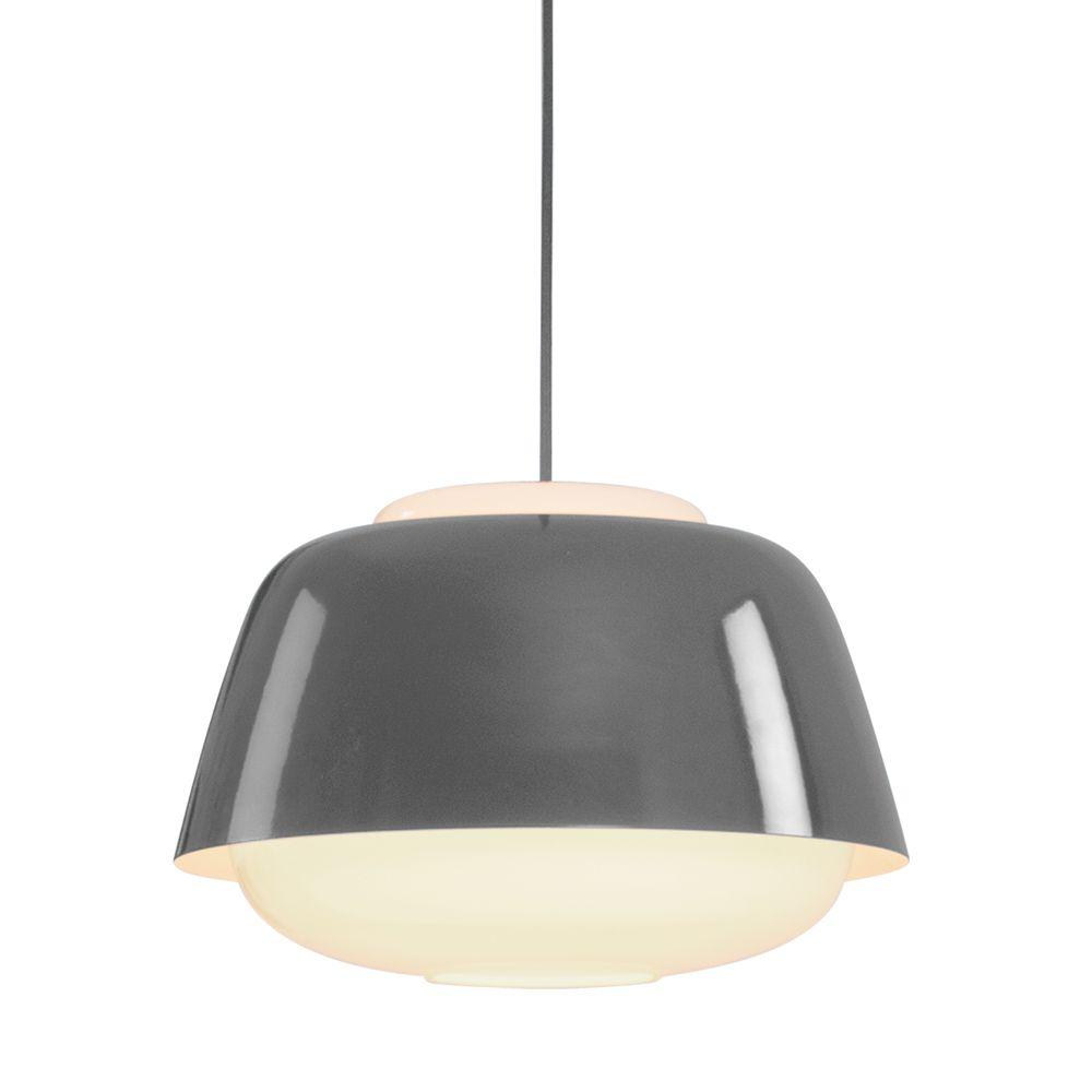 design pendelleuchte aus opalglas und stahl. Black Bedroom Furniture Sets. Home Design Ideas