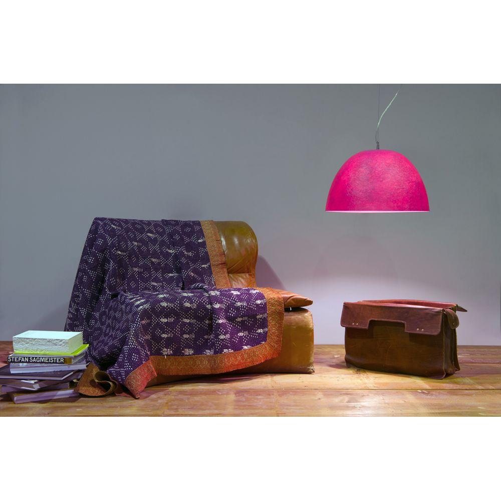gro e halbkugelf rmige designleuchte. Black Bedroom Furniture Sets. Home Design Ideas
