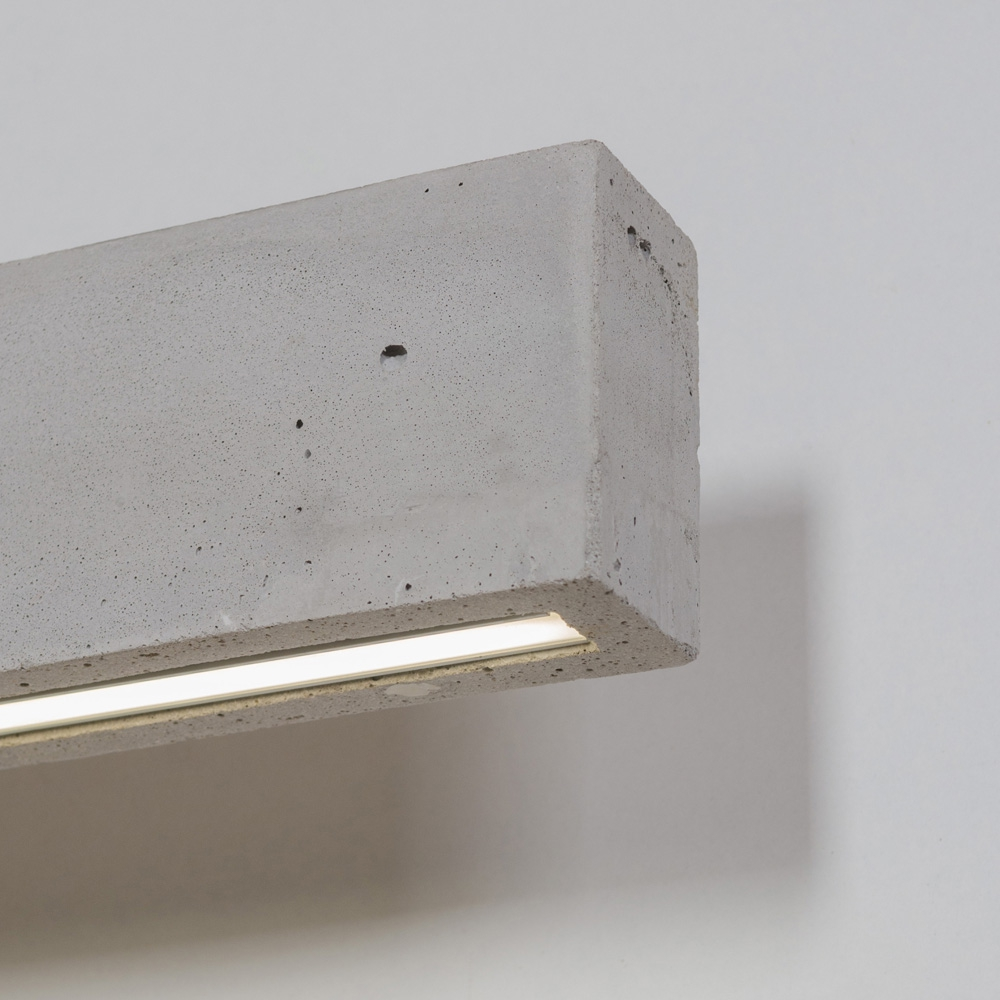 lange beton wandleuchte mit led artylux online shop f r designleuchten aus europa. Black Bedroom Furniture Sets. Home Design Ideas
