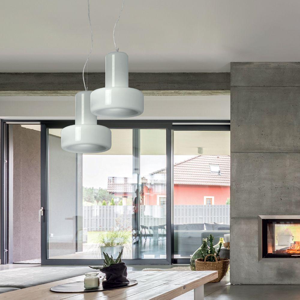 Pendelleuchte mit Lampenglas in grau